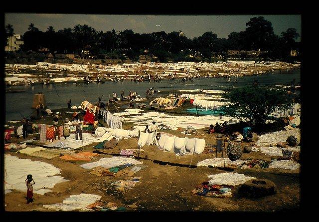 マドラス市の川原の洗濯風景