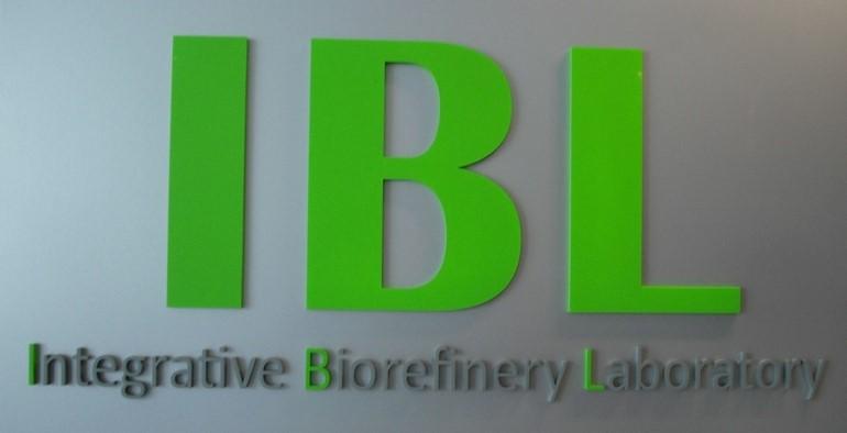 写真4.BIOTECH の統合バイオリファイナリー研究室