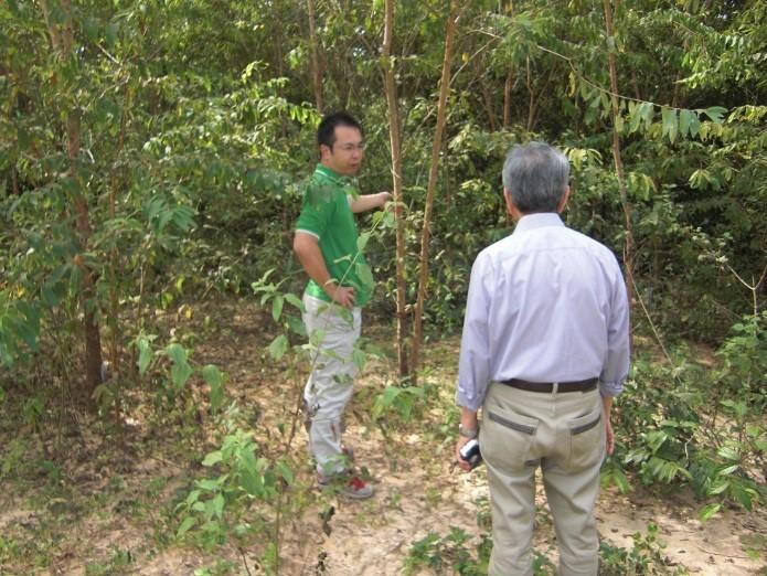 写真4 森林研究センターでの研究概要の確認