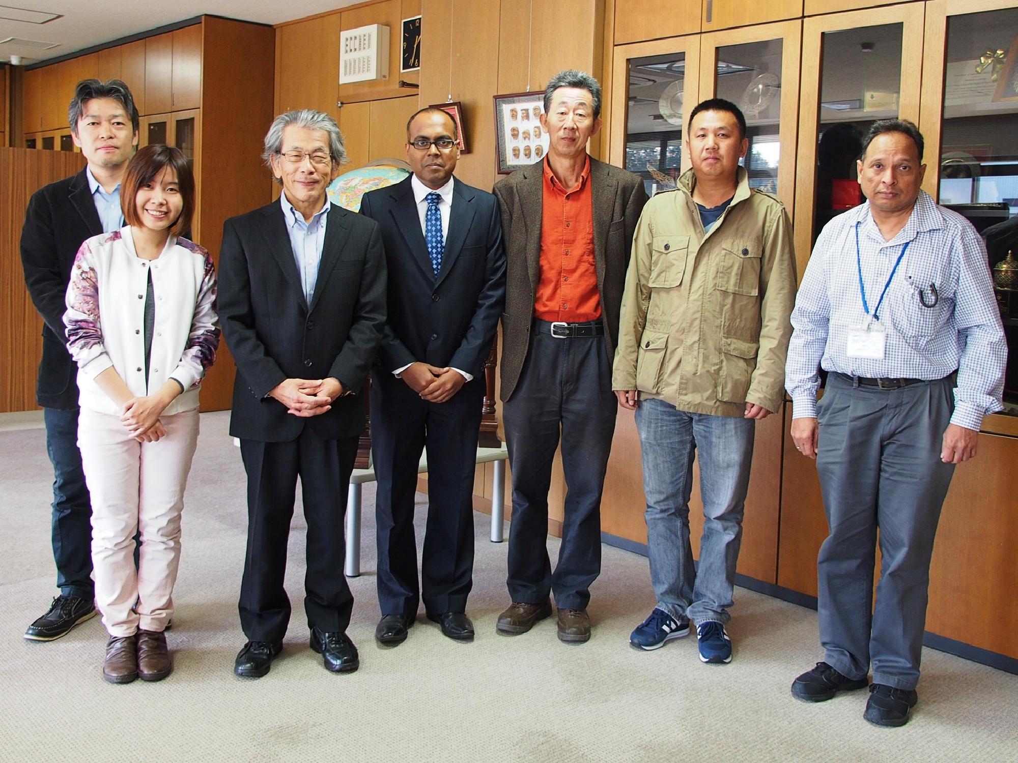 3 Fellows and host scienists in Tsukuba