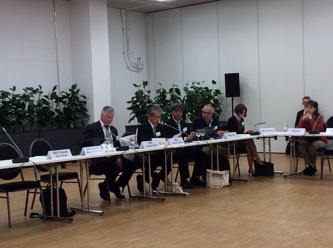 第8回GRA理事会(左から2人目:岩永理事長) 写真提供:農林水産技術会議事務局