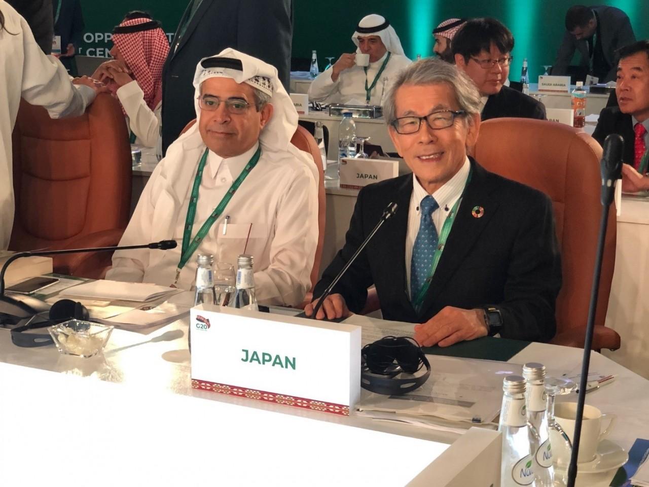 2020年にG20・G20MACS議長国を務めるサウジアラビアに引継ぎを行った岩永理事長
