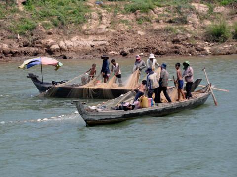 メコン河での漁